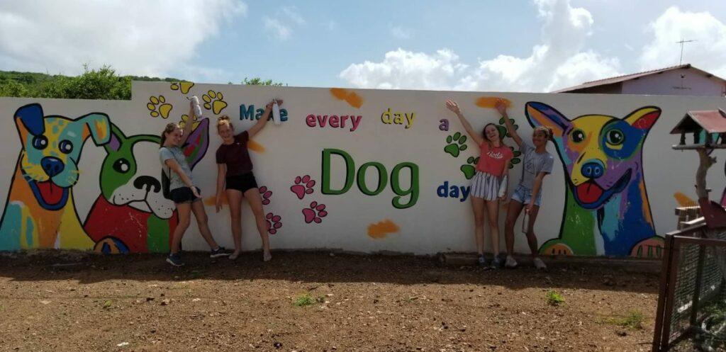 DOG Curacao muurtekening